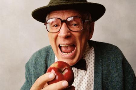 anziano-mela