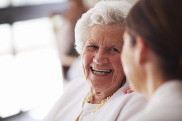 anziani e sorrisi